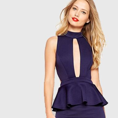 Gewusst wie: Kleider mit extrem tiefem Ausschnitt – so geht's richtig!